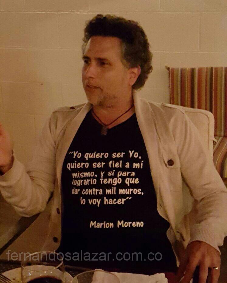 Marlon Moreno Casual.  Identidad personal Fernando Salazar