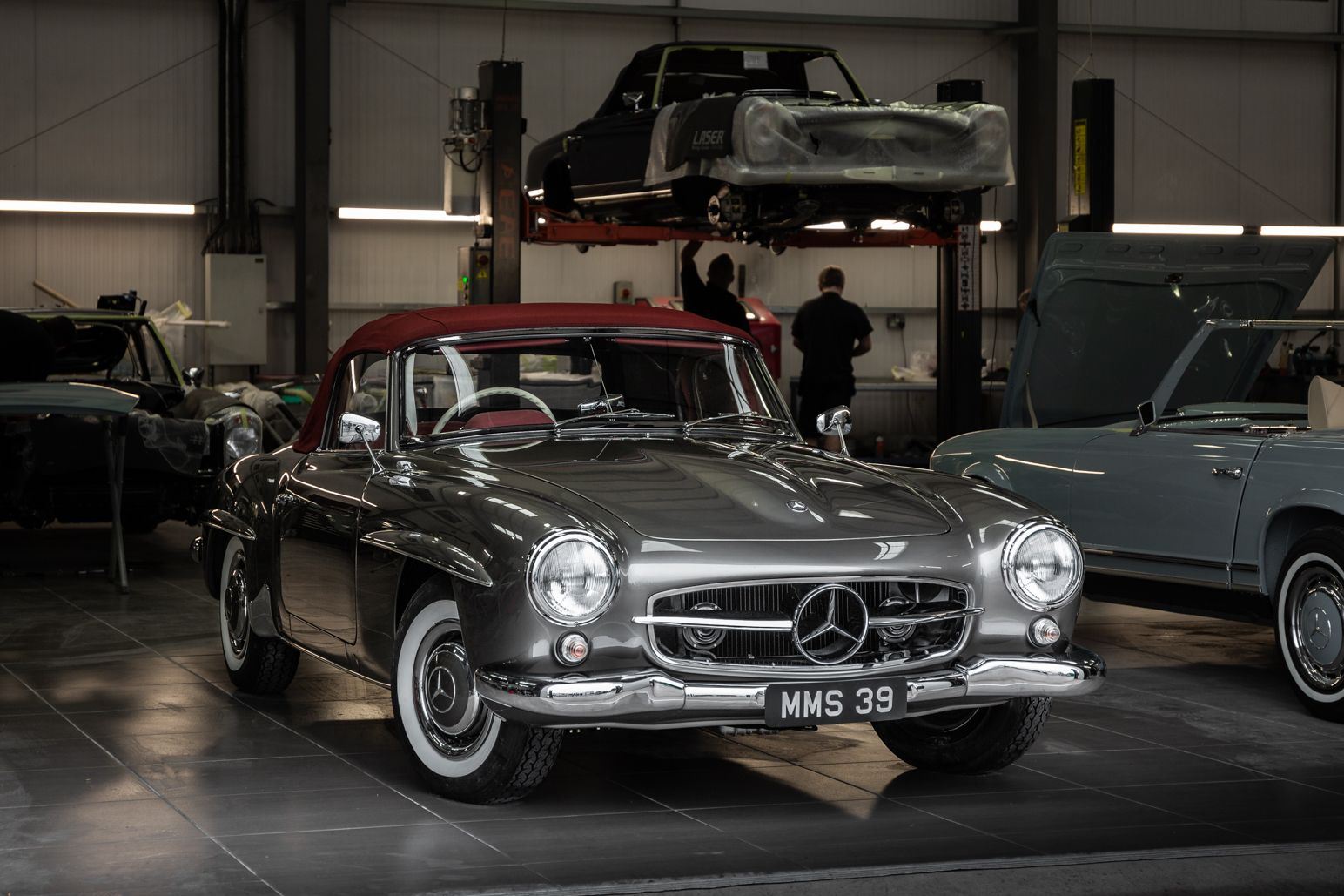 Metallic silver Mercedes-Benz 190SL W121