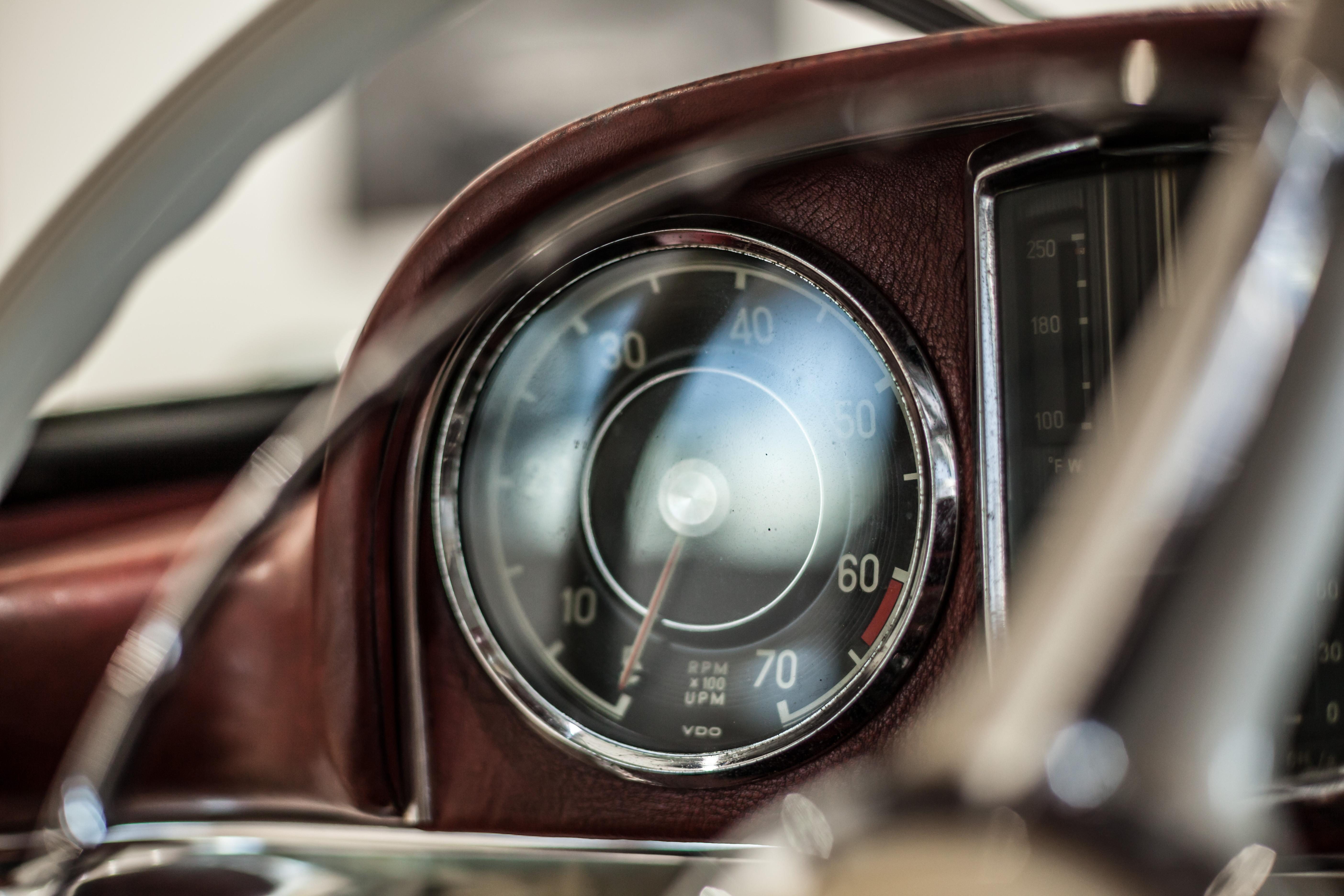 Hemmels W198 300SL Roadster Tach