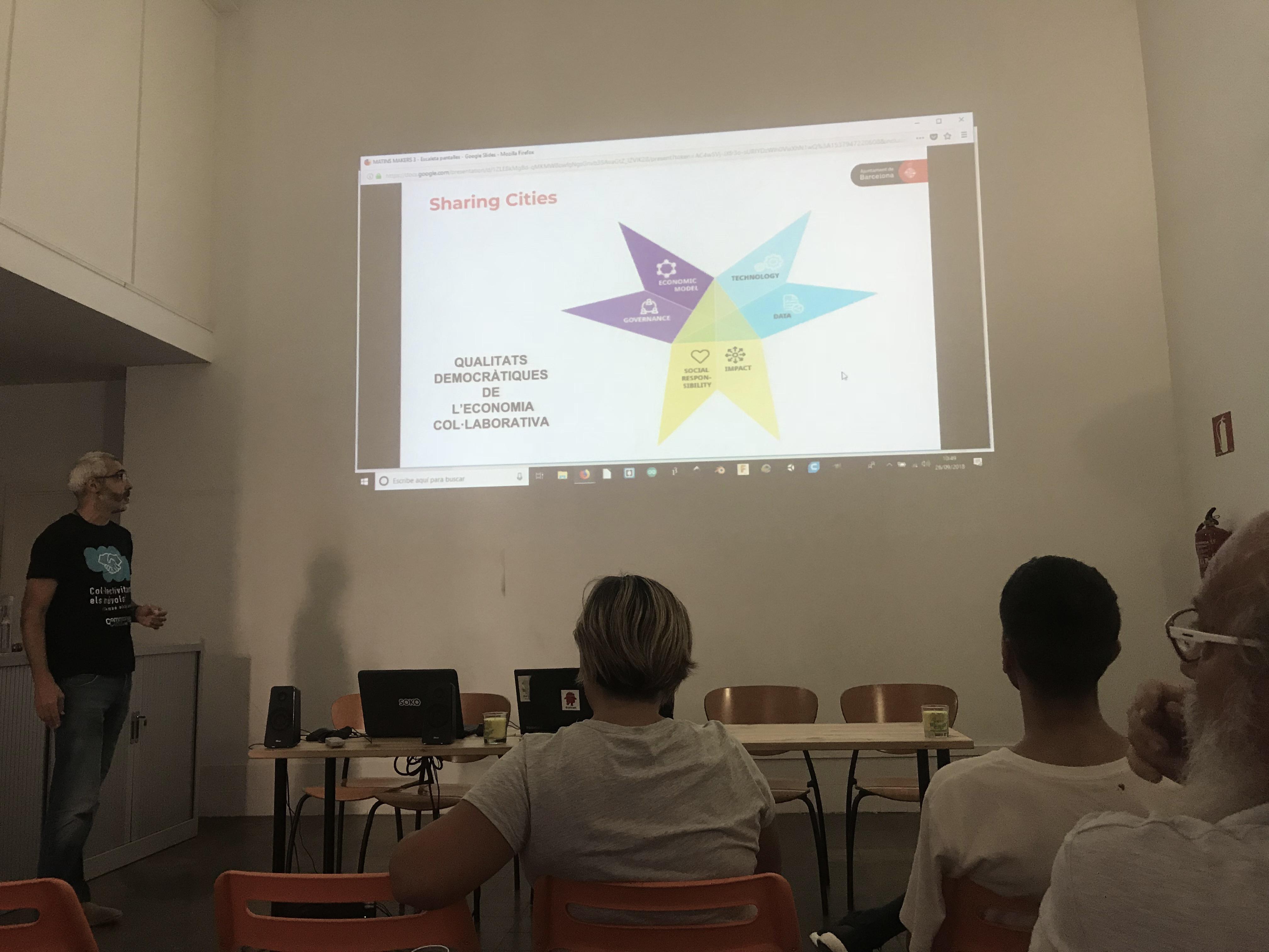 Pau Roldan, de Barcelona Activa, explica la iniciativa Sharing Cities