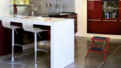 Hailo Mini - Small and compact folding steps - fits into every corner.