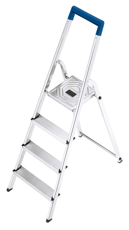 Hailo L20. The aluminium stepladder for the safety-conscious household. With blue safety rail.
