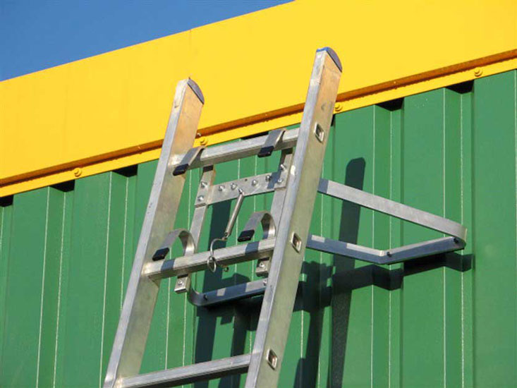 V-Type Ladder Stand Off. Can be used on flat surfaces or corners. Makes access for guttering and window cleaning much easier. Quick and easy to attach.