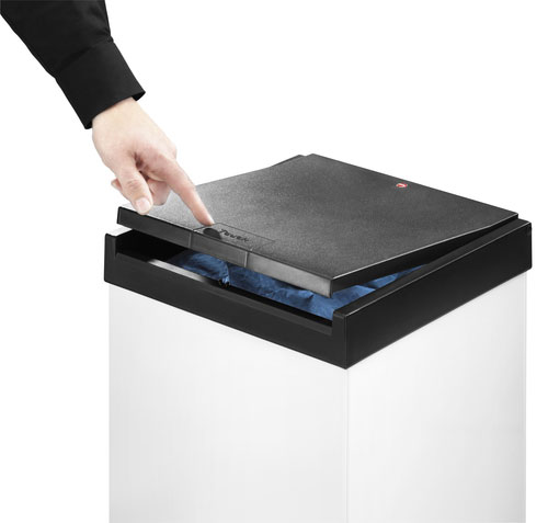 One Touch lid opening system: touch the lid once to open