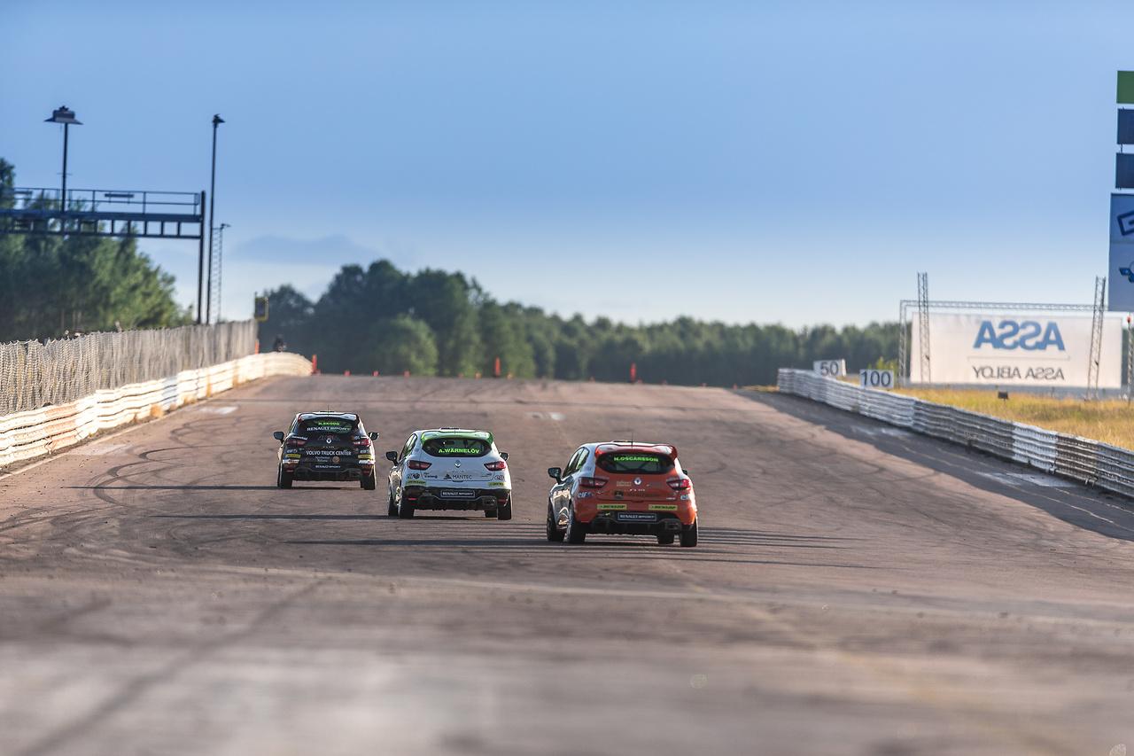 Henrik, Albin, Niklas i Clio Cup racing