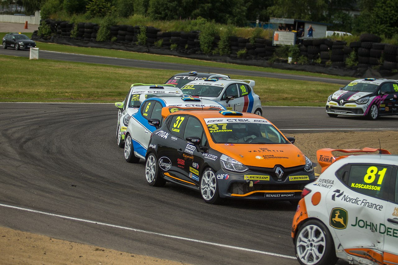 Tätt i startkurvan för Clio Cup racing