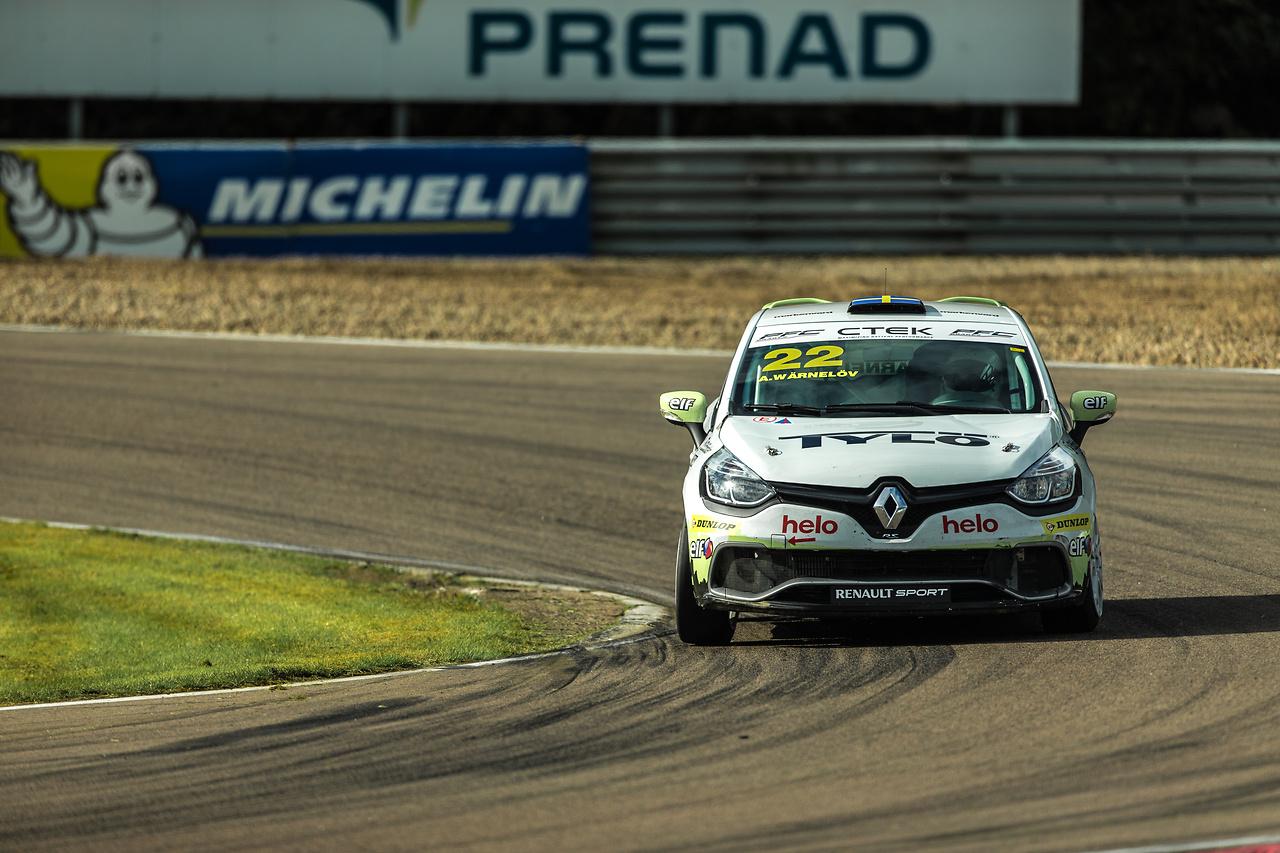 Experion racing teams Clio Cup bil