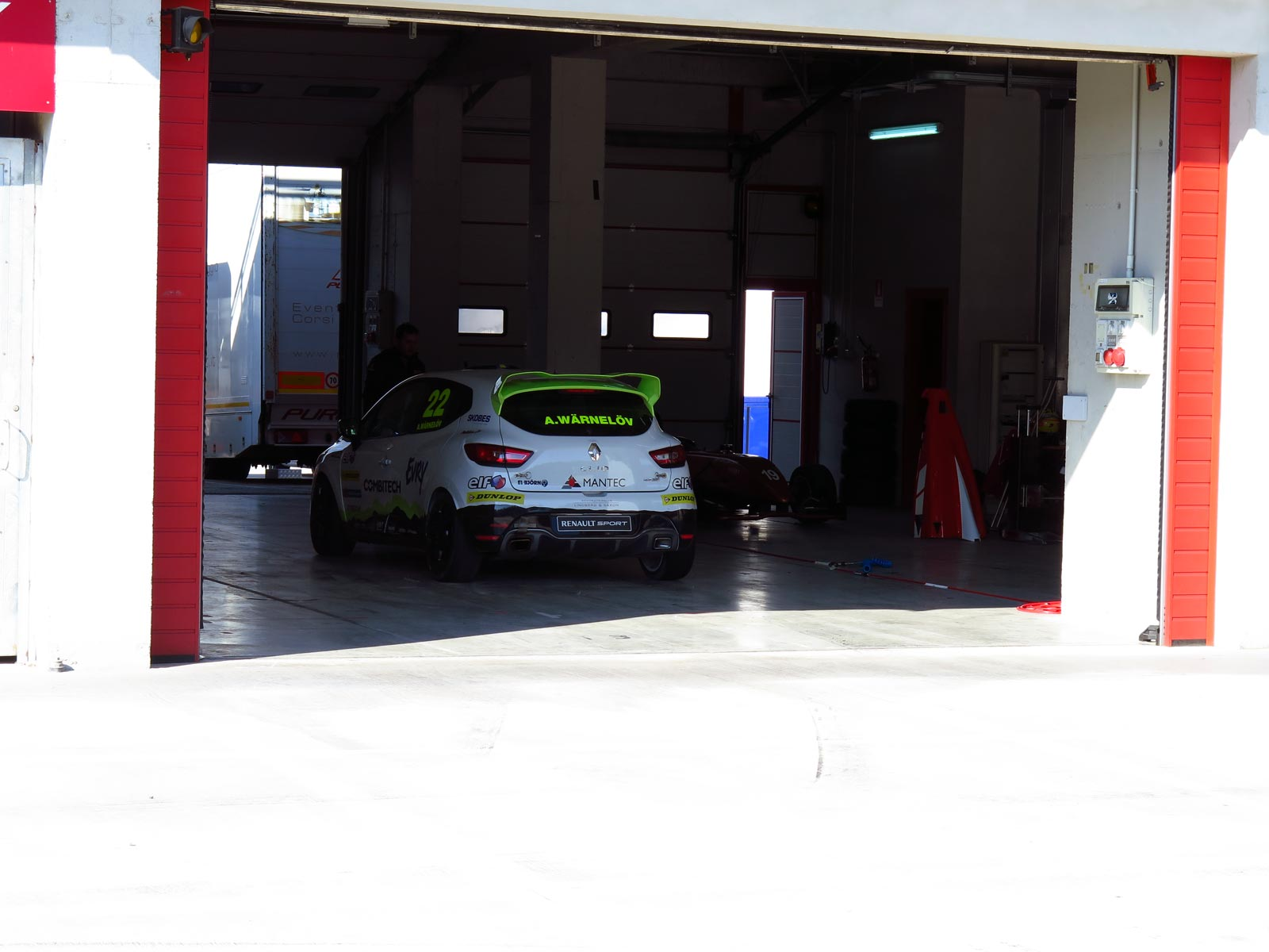 Experion Racing Team på plats i Imola.