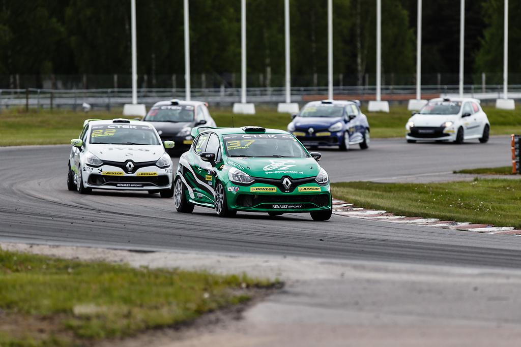 Mörner följt av Albin i Clio Cup