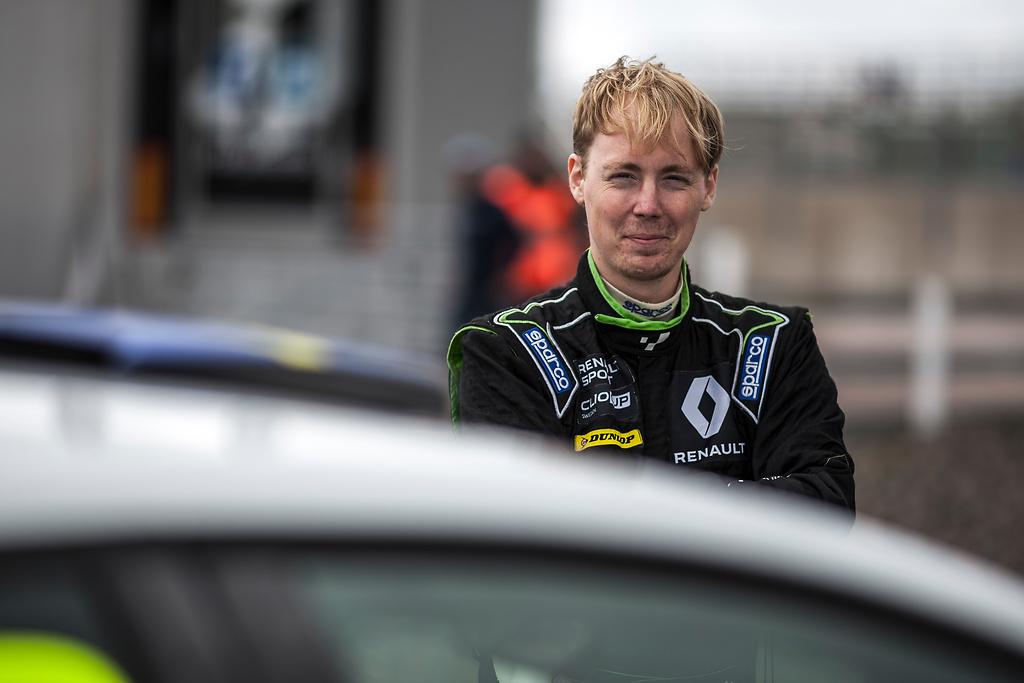 Albin Wärnelöv i Clio Cup
