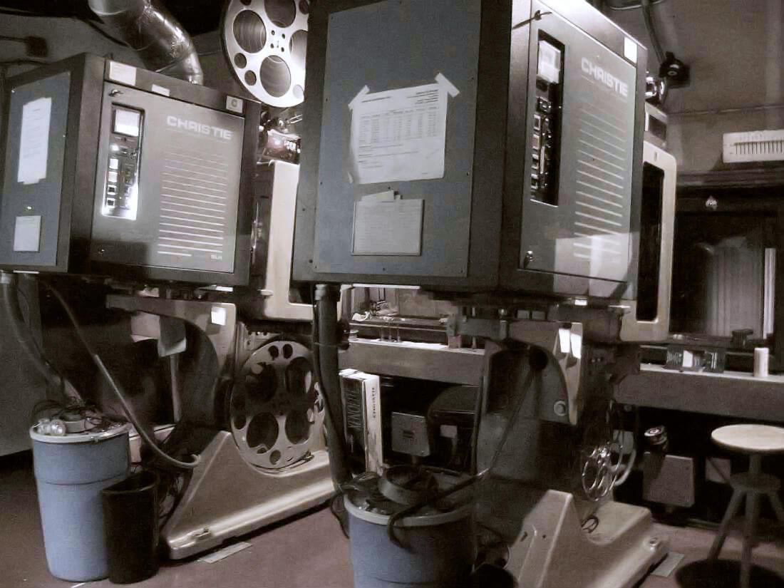 UA Cinema 150, el cine de Laguna Gardens, Carolina, Puerto Rico.