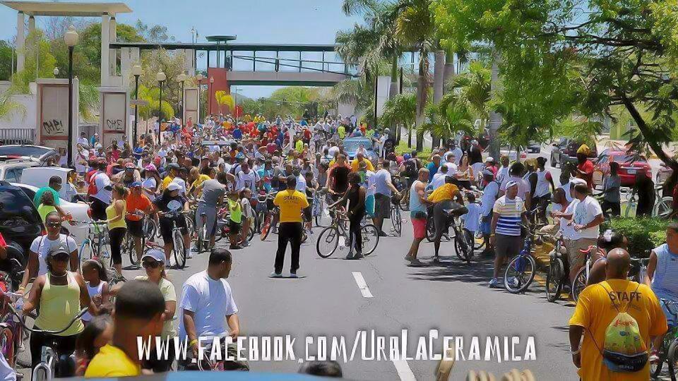 Pedaleando por la Paz, evento en Carolina, Puerto Rico. Avenida Monserrate.