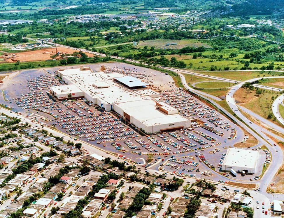 Foto aérea del Centro Comercial Plaza Carolina, Carolina, Puerto Rico.