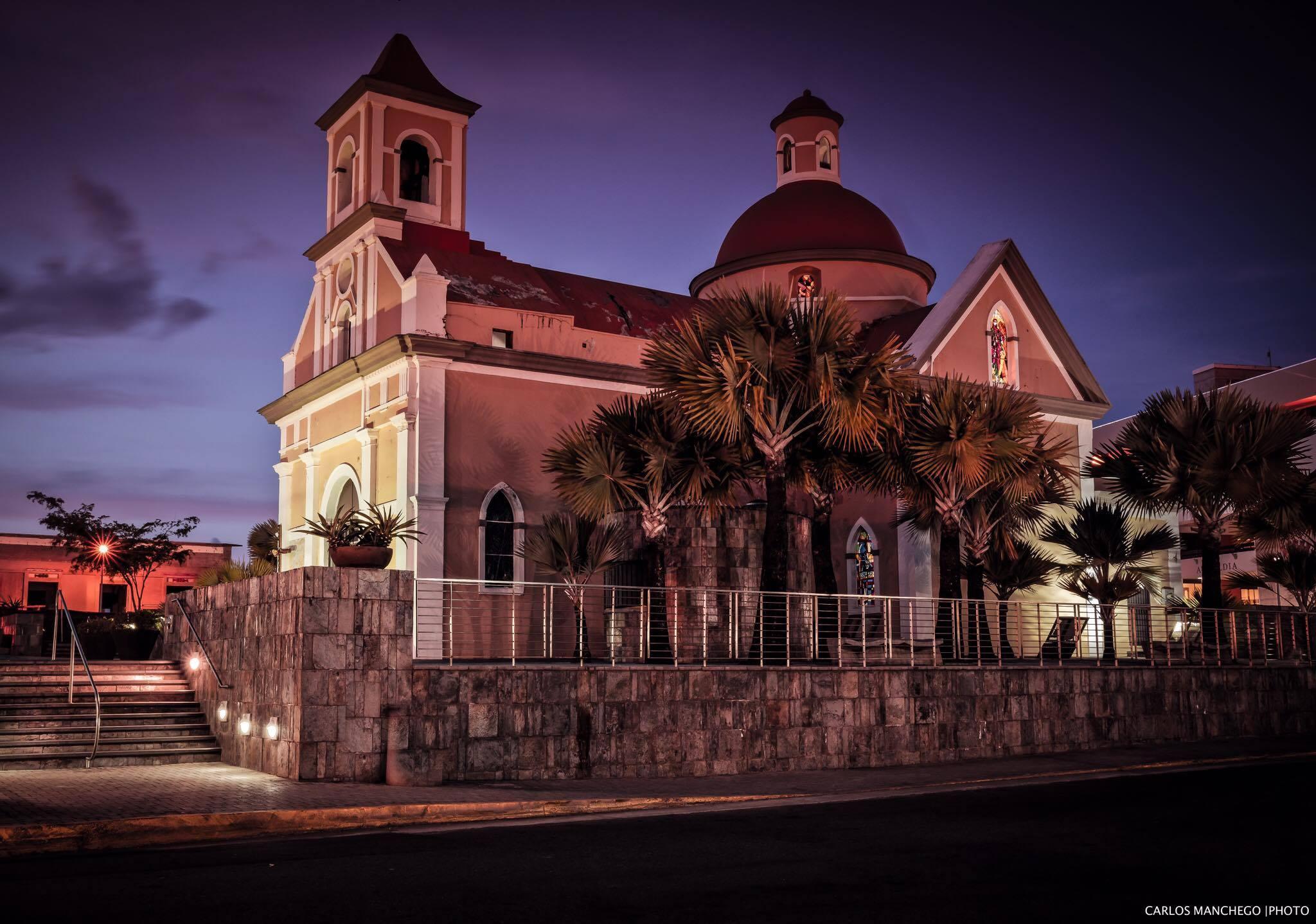Iglesia San Fernando de la Carolina, en el Pueblo de Carolina, Puerto Rico.
