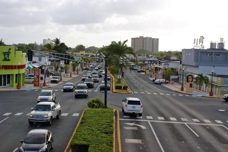 Avenida Monserrate (Avenida Paseo de los Gigantes), Carolina, Puerto Rico.