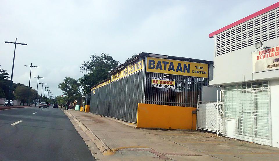 Gomera Bataan, en la Avenida Roberto Clemente, Carolina, Puerto Rico.