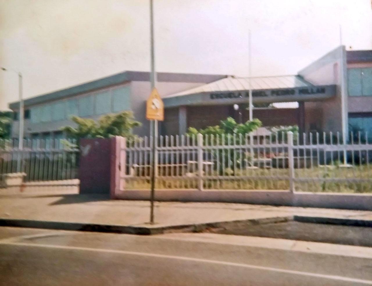 Escuela Ángel P. Millán Rohena, en Parque Ecuestre, Carolina, PR.