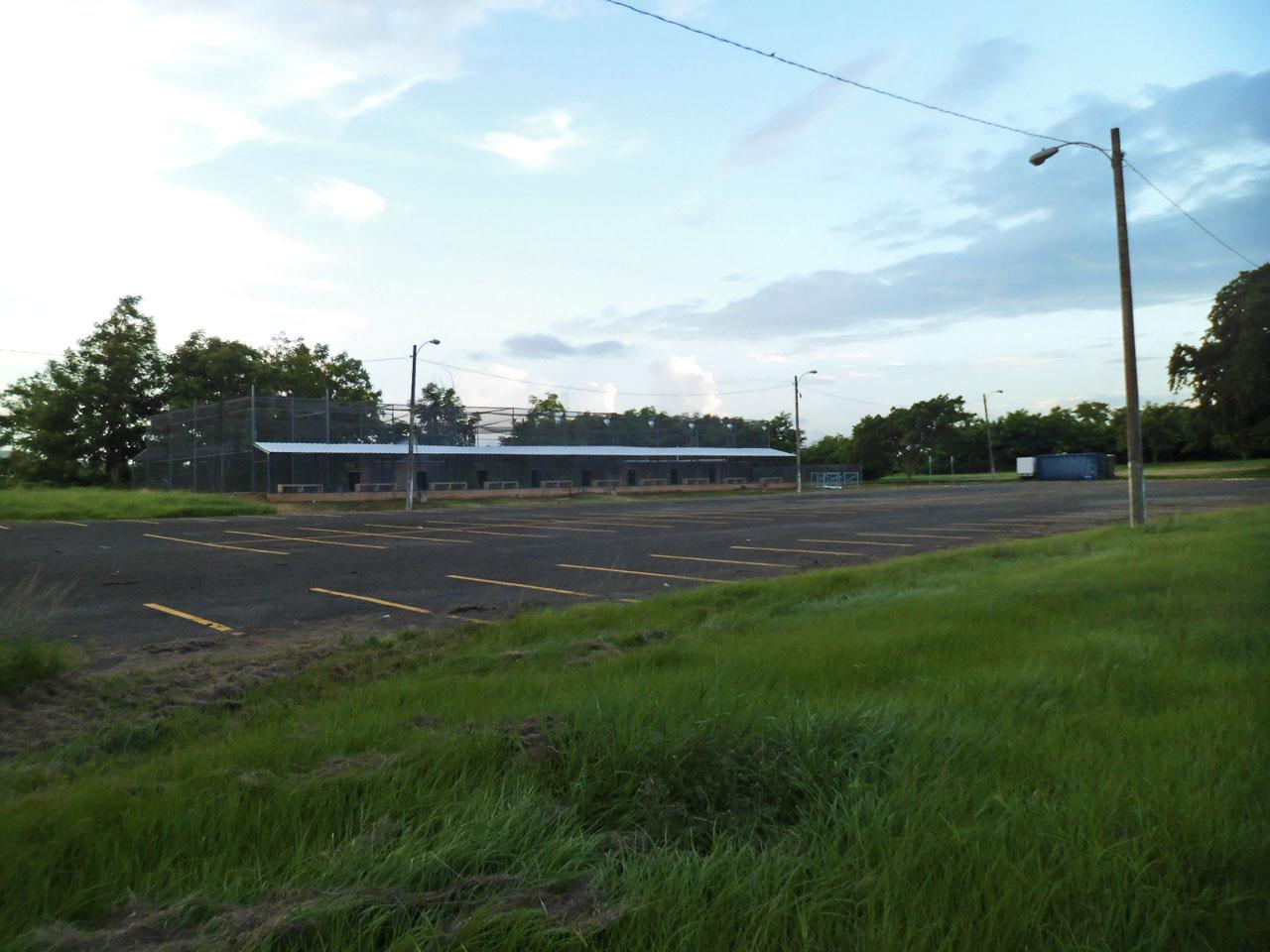 Campo de bateo de la Ciudad Deportiva Roberto Clemente en Carolina, Puerto Rico.