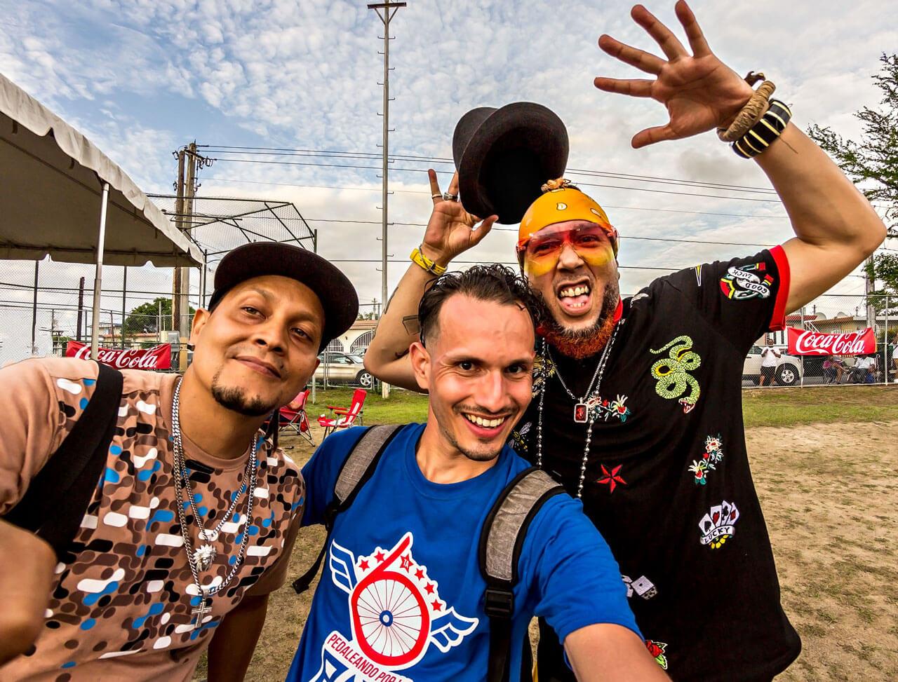 Raperos Maicol y Eduardo con Emmanuel Pérez Villamil.