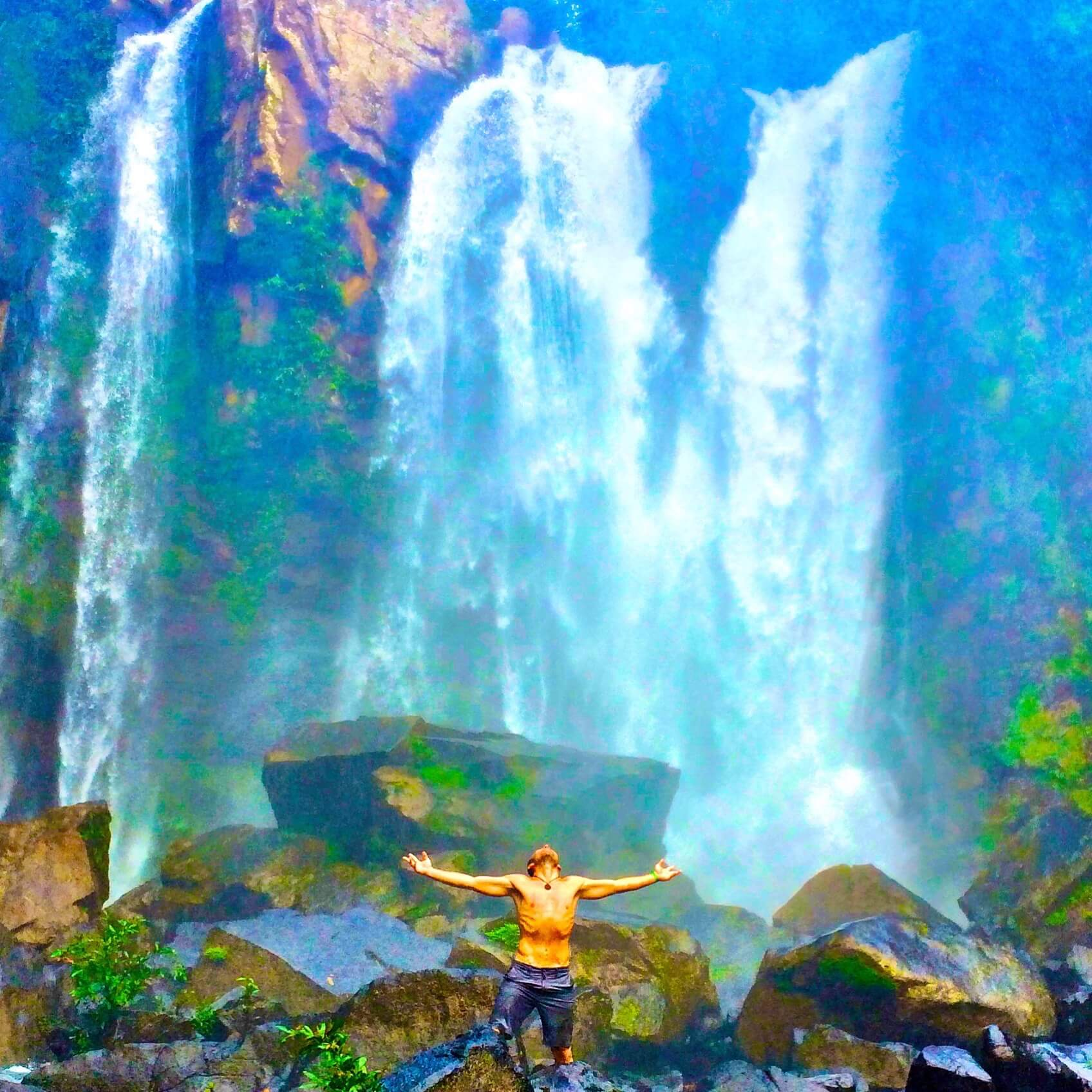 adventure-life-lessons-costa-rica-waterfall-man