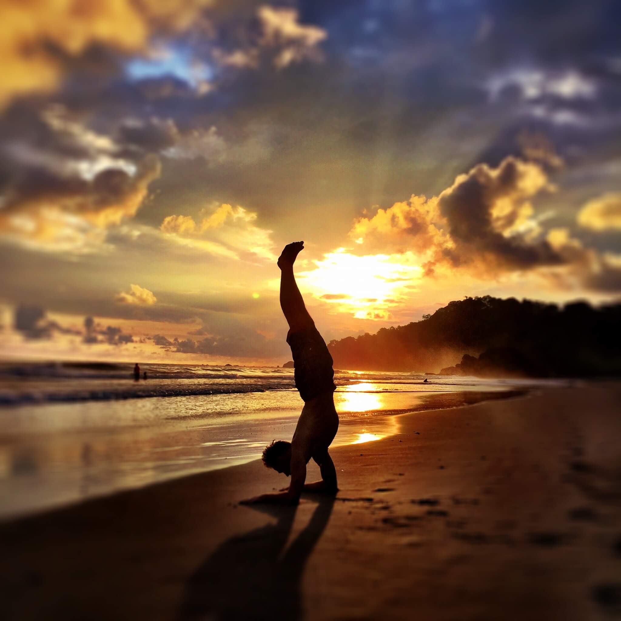 adventure-life-lessons-yoga-ocean-beach-handstand