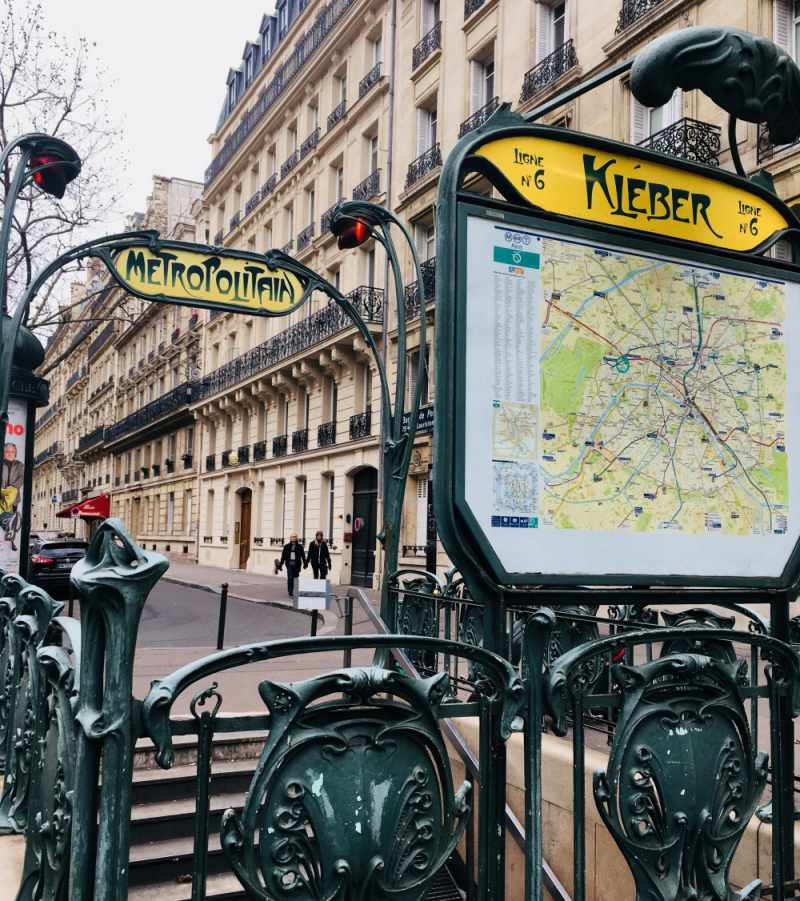 under30experiences-group-travel-blog-for-millennials-falling-in-love-with-paris-subway