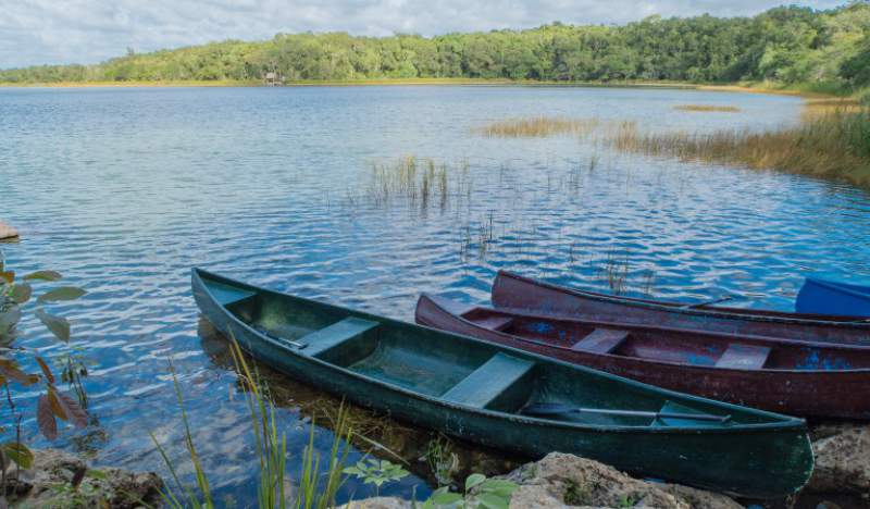 under30experiences-group-travel-blog-for-millennials-five-days-in-mexico-canoes