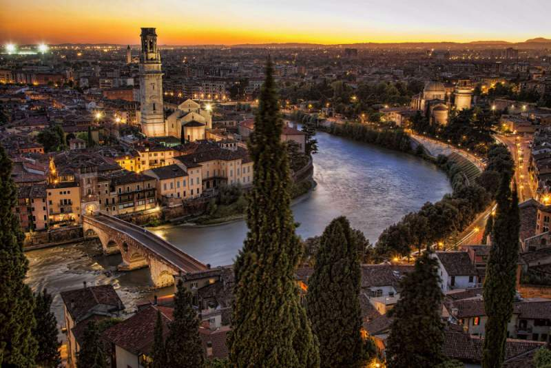 under30experiences-group-travel-blog-for-millennials-the-solo-travelers-guide-to-exploring-rome-verona