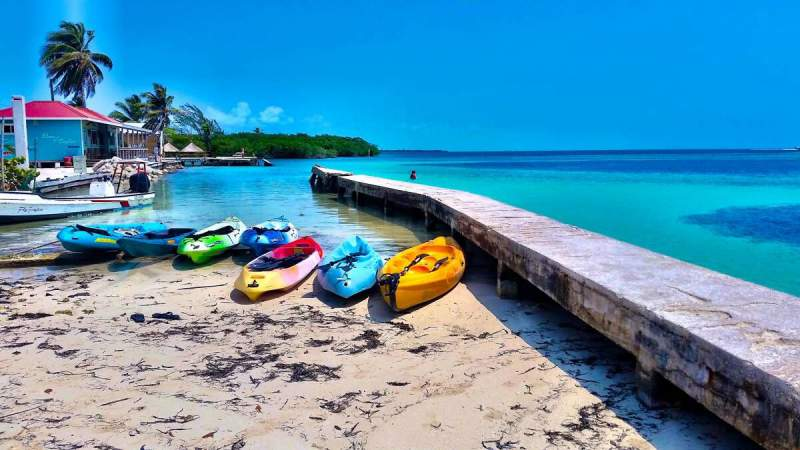 under30experiences-group-travel-blog-for-millennials-10-tips-to-get-the-most-out-of-your-first-solo-travel-experience-destination-belize