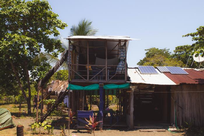 blog-How-We-Support-Sustainable-Tourism-in-Costa-Rica-house.jpg