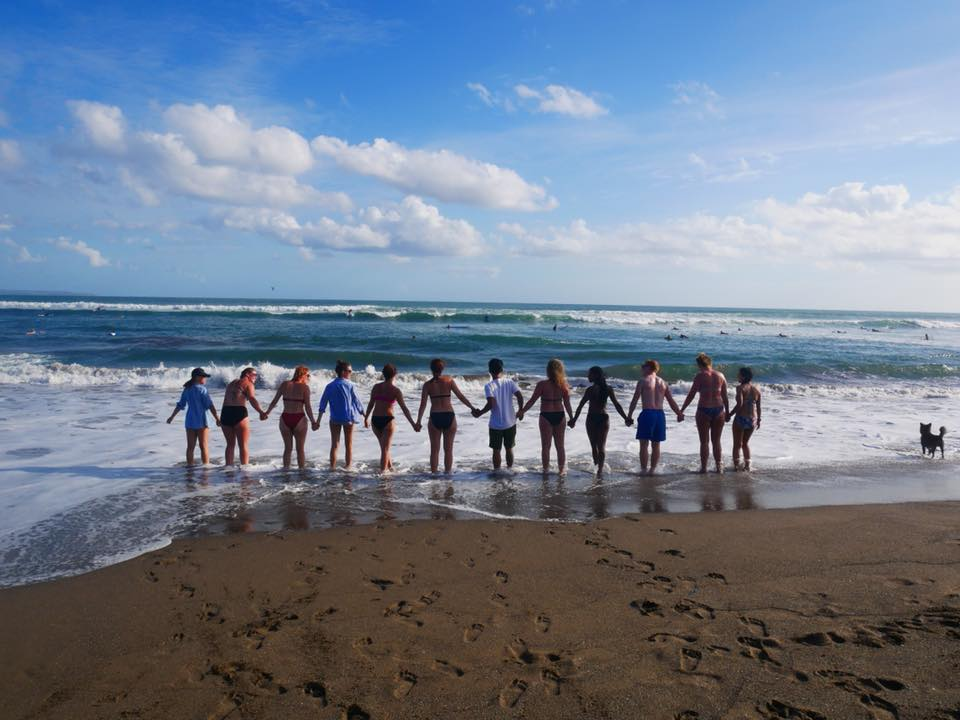 young-travelers-on-bali-beach
