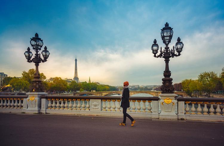 traveler-in-paris