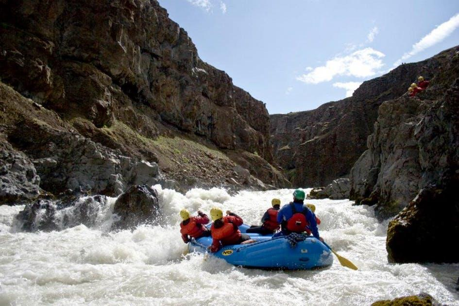 white-water-rafting-in-iceland