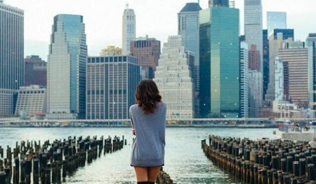 Young woman exploring a new city