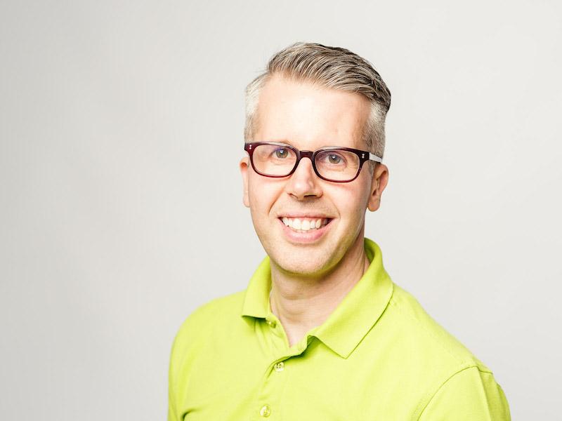 Dr. med. dent. Christian Schnitzer berät sieht jederzeit Fachkundig