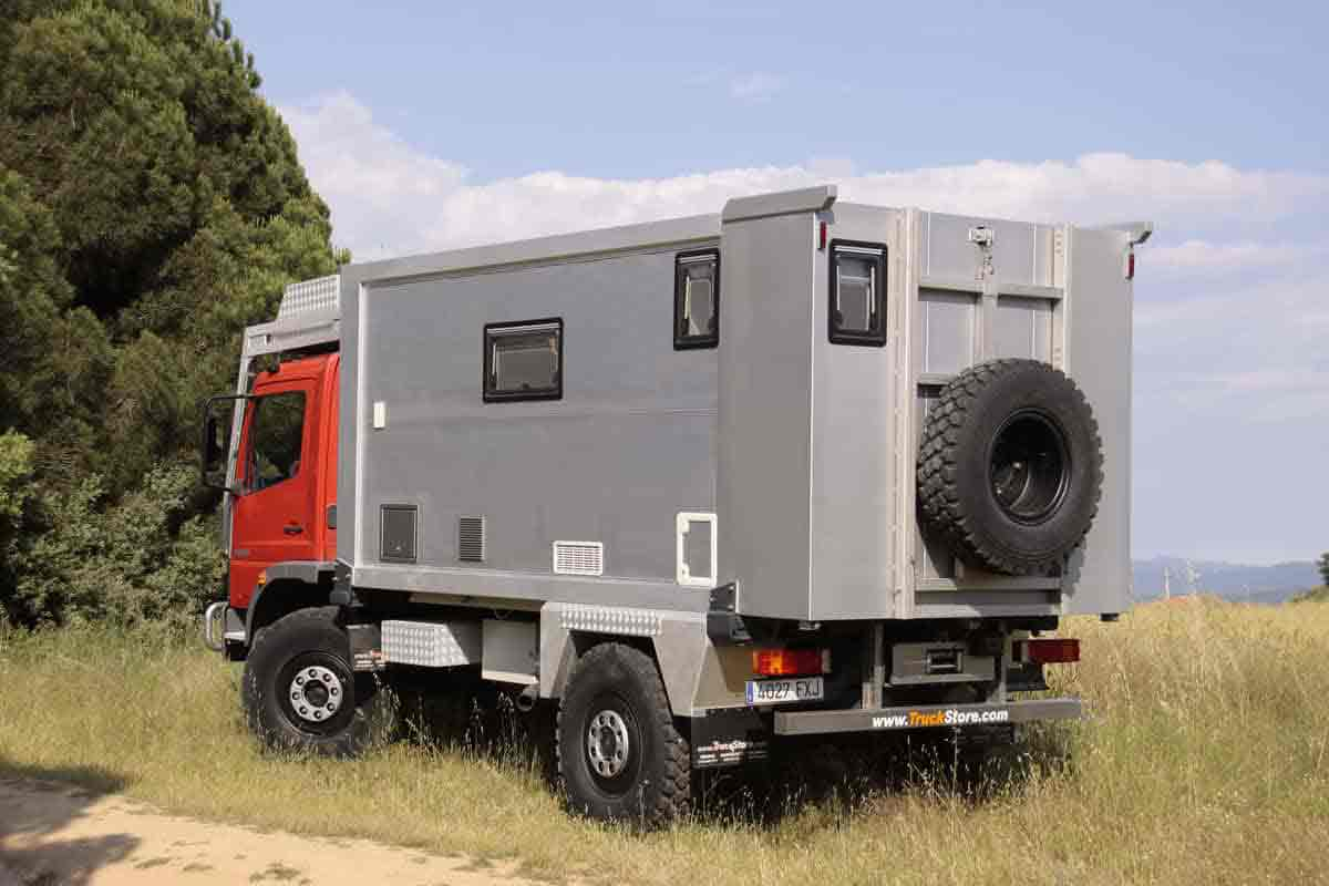 expedition truck Barcelona, expedition truck for trips to see the world