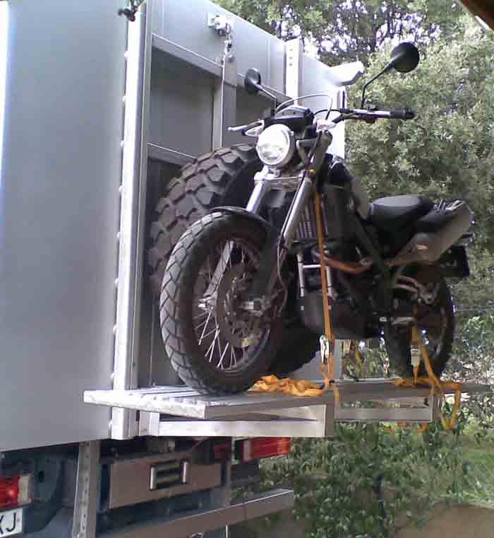 Zocama Taylor made expedition vehicles using tecnology to