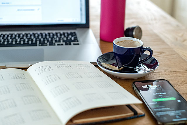 The Four-Day Workweek: Pros and Cons to Consider
