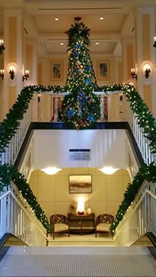 Atlanta Hotel Christmas Lighting