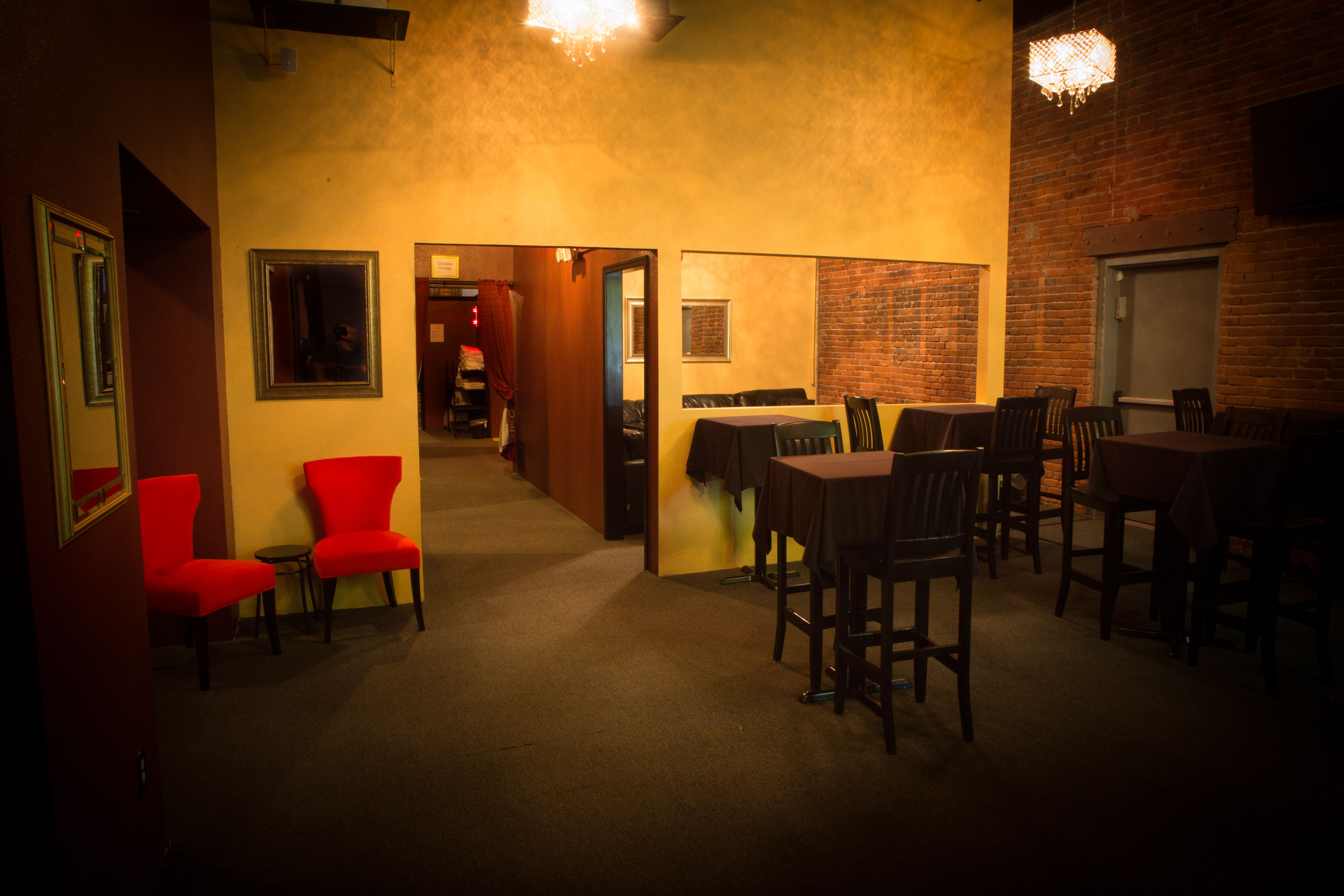 Couples lounge | Swingers club Portland Oregon