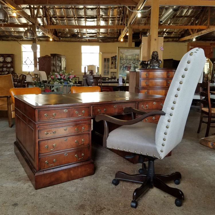 Mahogany desk for your home or business