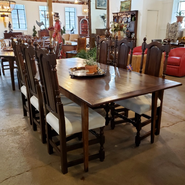 Tapered leg farmhouse style dining table