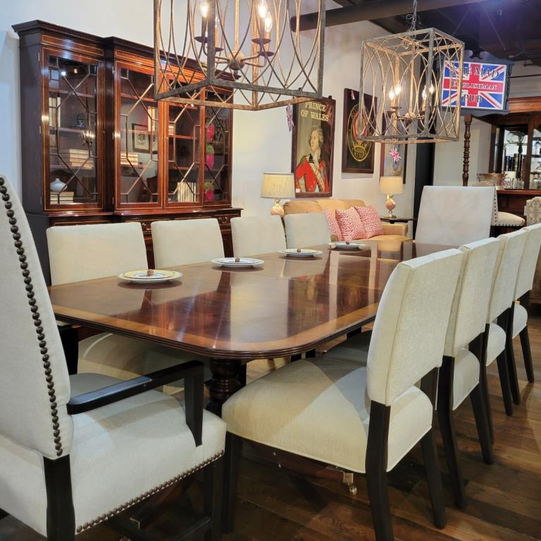 We offer furniture for your dining & kitchen room