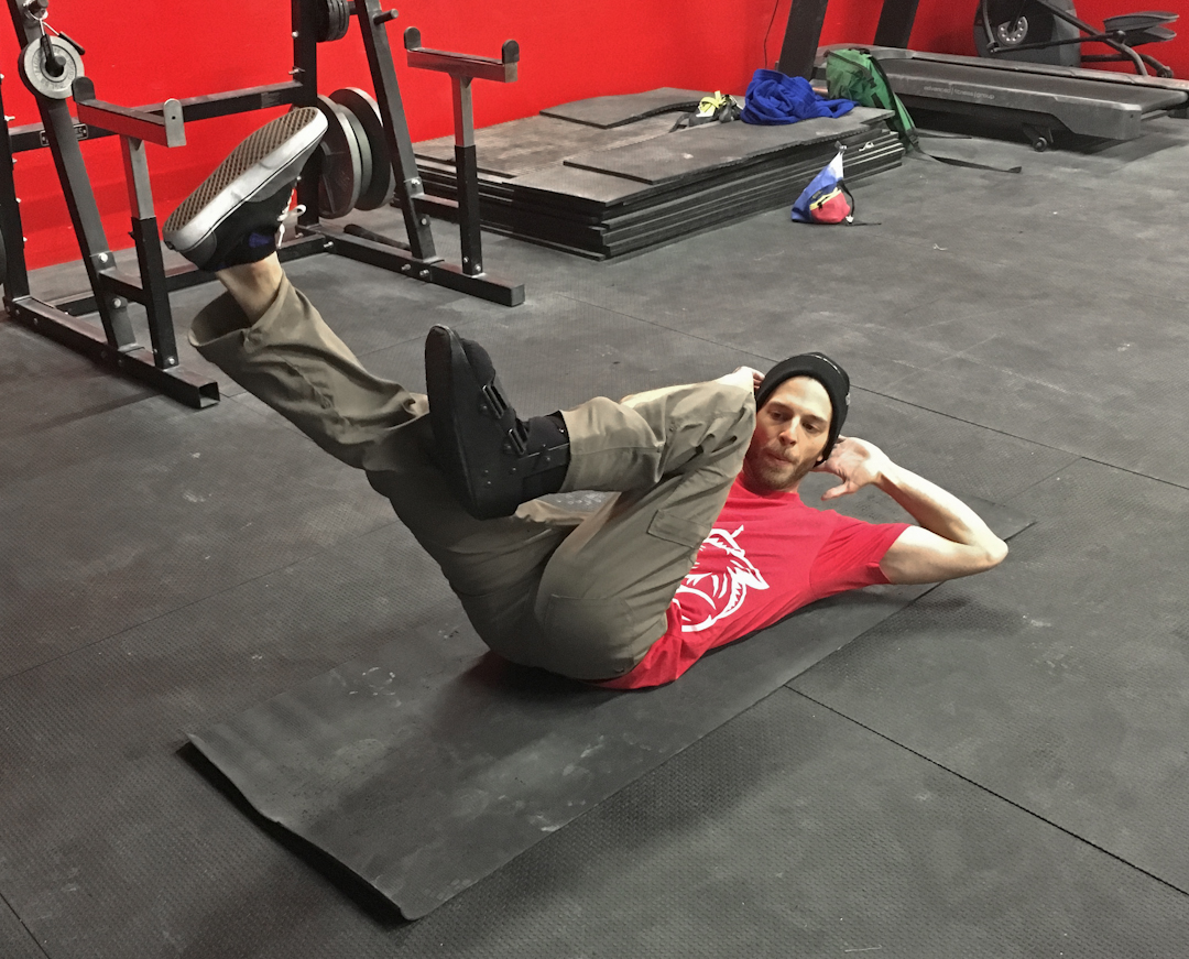 FrictionLabs Training Guide: Staying fit for climbing with a lower body injury – sit-ups