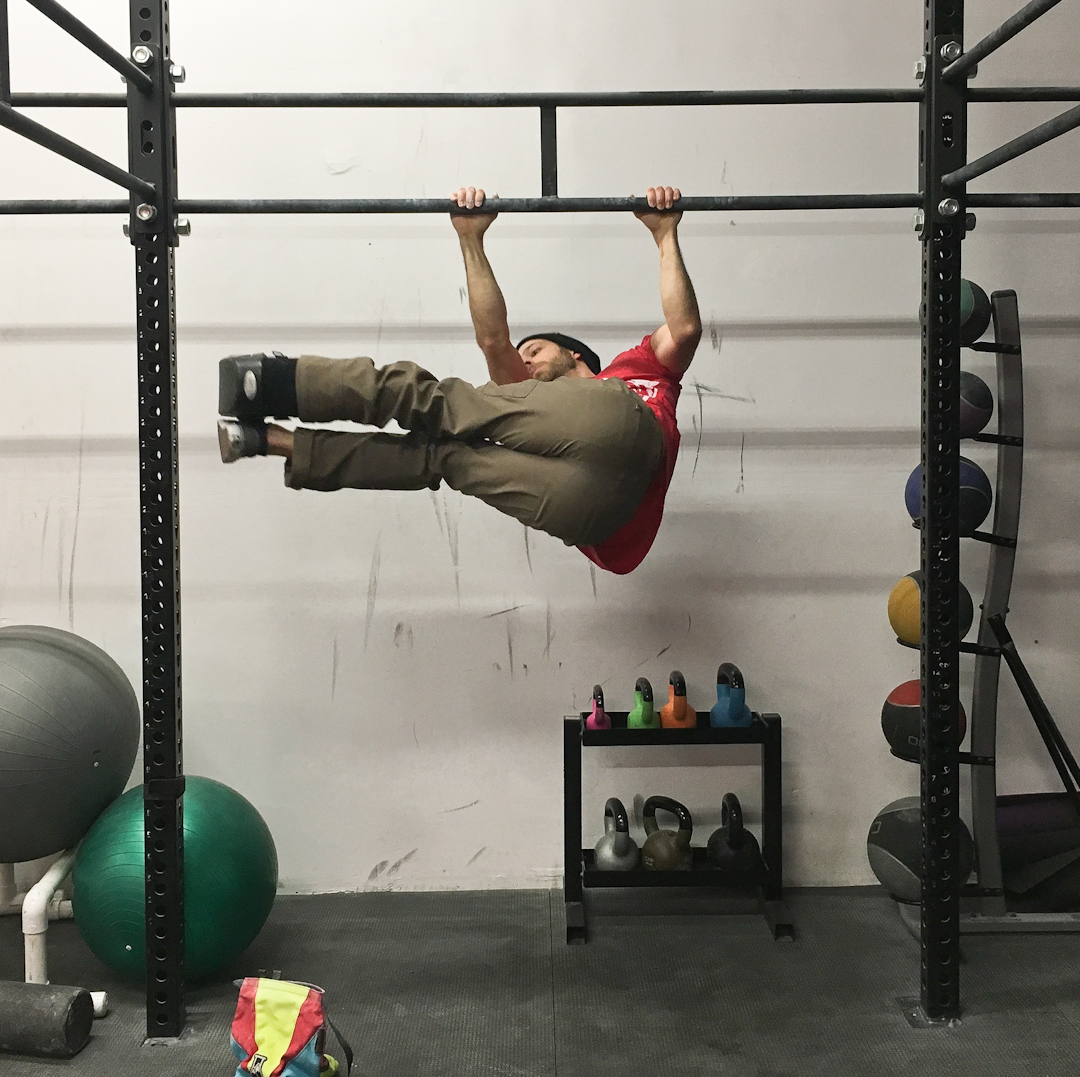 FrictionLabs Training Guide: Staying fit for climbing with a lower body injury – windshield wipers