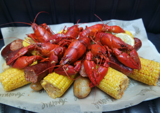 Crawfish boil feast and unlimited Prosecco at Avenue Restaurant
