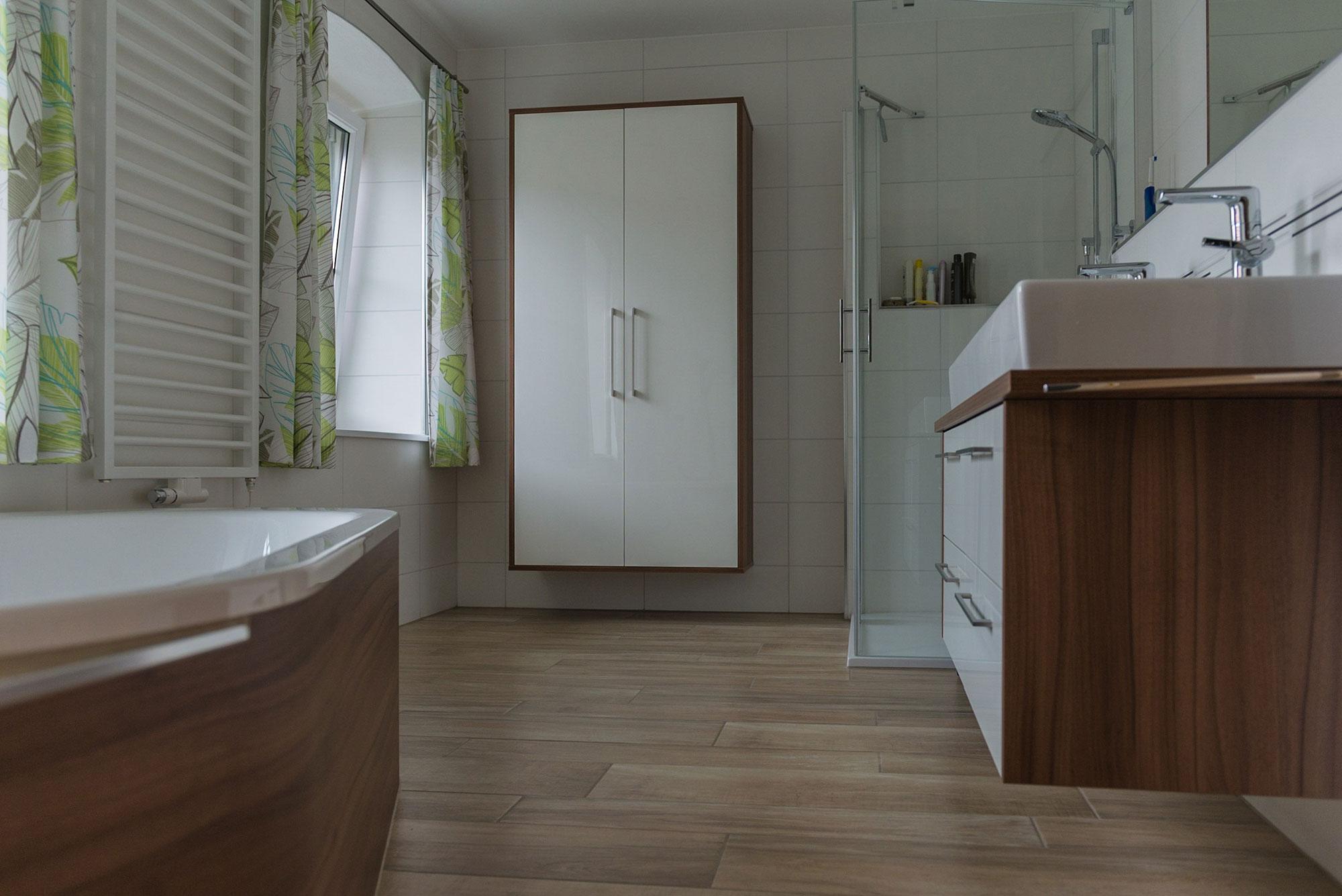 Badezimmer Tischlerei Riedl Bau Und Möbeltischlerei Pramet