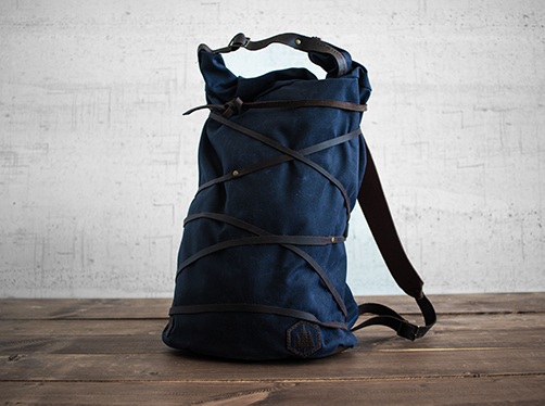 Uphill Designs - waxed canvas Divide rucksack - navy - front - tilted