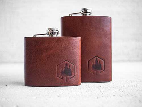 Uphill Designs - Bailey flask - English tan - both sizes