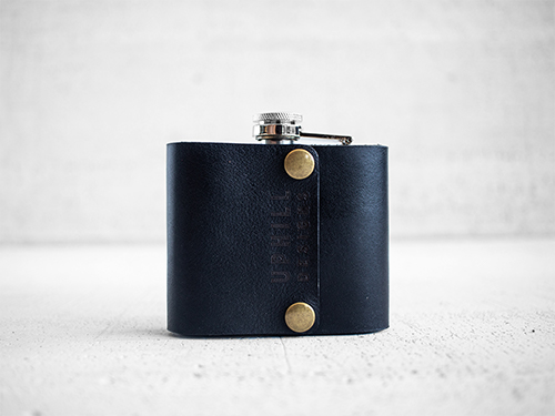 Uphill Designs - Bailey flask - onyx black - large back
